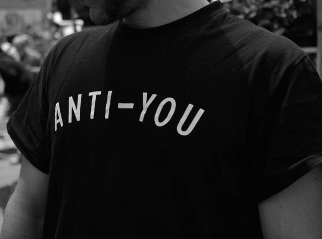 camiseta anti-you